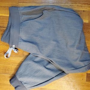 **FIGS** LARGE PETITE joggers in graphite